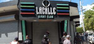 El Coba cierra cuatro centros de diversión en Azua por violar horario toque de queda