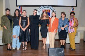 """Save the Children realiza panel conversatorio """"De Niña a Niña"""""""