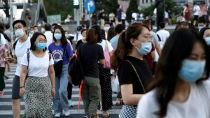 China suma 14 nuevos contagios, todos de viajeros procedentes del extranjero