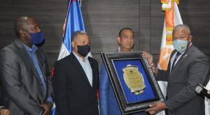 Codia reconoce a ministro Deligne Ascención por sus aportes al sector de la construcción