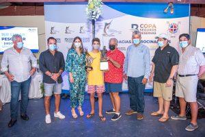 Diego Viyella gana copa Seguros Reservas en torneo de pesca al Marlin Azul