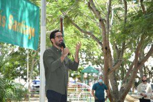 Diputado José Horacio Rodríguez conversa con ciudadanos de Santiago
