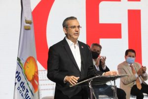 RD busca potenciar turismo como socio feria Fitur 2022; Abinader presenta planes junto a ejecutivos hoteleros