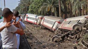 Al menos 25 personas mueren tras descarrilar un tren en la República del Congo