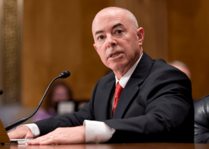 El secretario de Seguridad Nacional de EEUU da positivo por covid-19