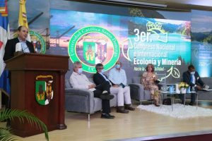 Universidad Católica culminaIII Congreso donde abordaron temas relacionados a la ecología y minería