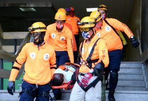 Gobernación y Defensa Civil supervisan los simulacros de evacuación de terremoto en Santiago