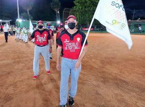 Apretada final de softbol en Olimpiadas Country 90º aniversario Santiago Country Club