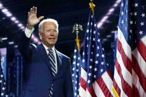 Biden trata de cerrar pacto sobre su plan de gasto social antes de ir al G20