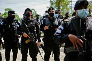 Guatemala impone estado de sitio para mitigar enfrentamientos por una mina