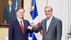 (VIDEO) Presidente Abinader recibe al vicepresidente del Banco Mundial, Carlos Felipe Jaramillo