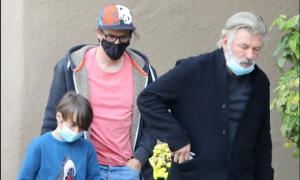 Alec Baldwin se encuentra hijo y esposo de fallecida directora de fotografía