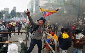 Protestas en Ecuador dejan un balance de 37 detenidos y 2 militares retenidos