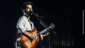 """Camilo presenta """"Mis Manos Tour"""" por primera vez en concierto en Bogotá"""